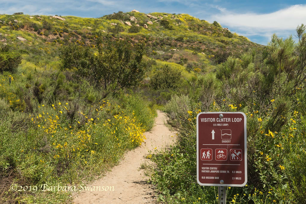 <b>Visitor Center Loop Trail</b>