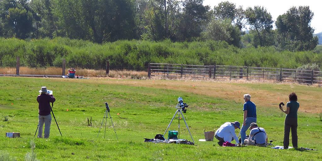 Astrophotographers assemble their equipment